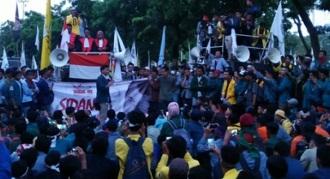 demo mahasiswa 3 tahun jokowi jk