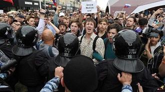 demonstrasi anti putin