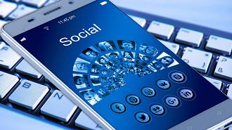 media sosial gaduh