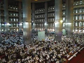 salat tarawih istiqlal